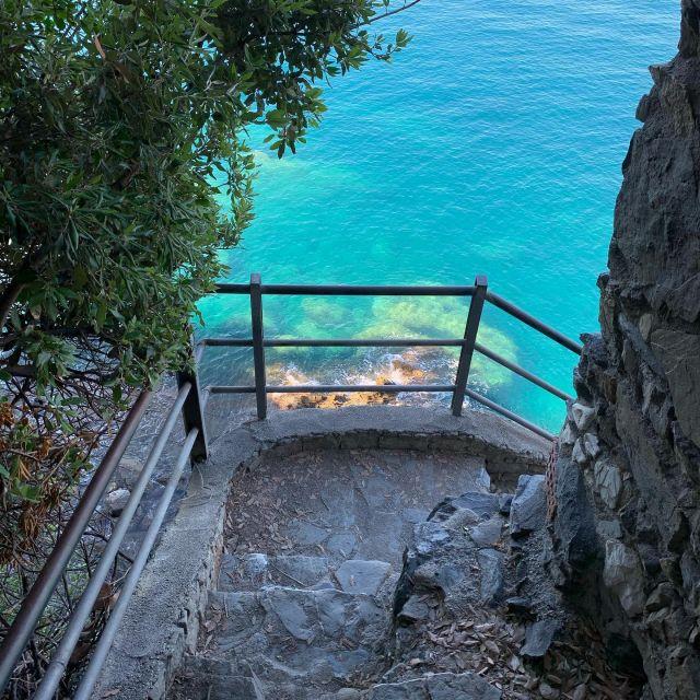 The final meters #sciacchetrail #cinqueterre #trailrunning #monterossoalmare #sea