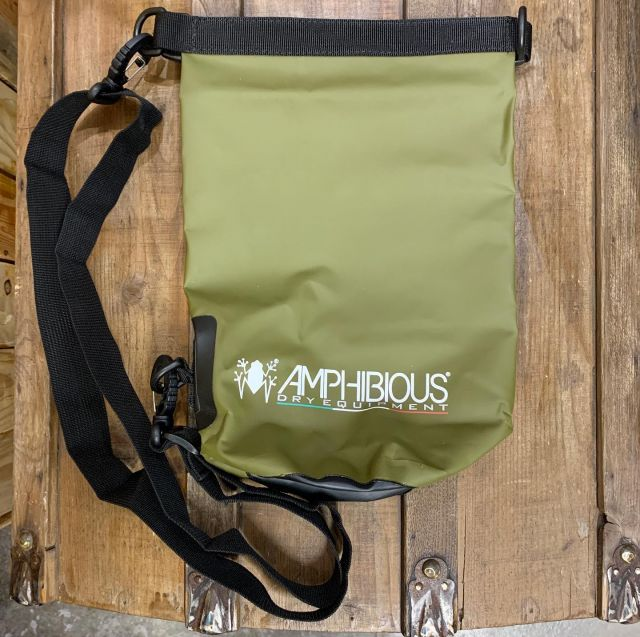 Amphibious dry tube bags are back in stock.  Protect your belongings while out on a boat, in a kayak, or at the beach with these roll-top waterproof bags. Available in 3L, 5L, 10L and 20L sizes.  #amphibious #drybag #seakayak #boating #summer #mare #sea #beach