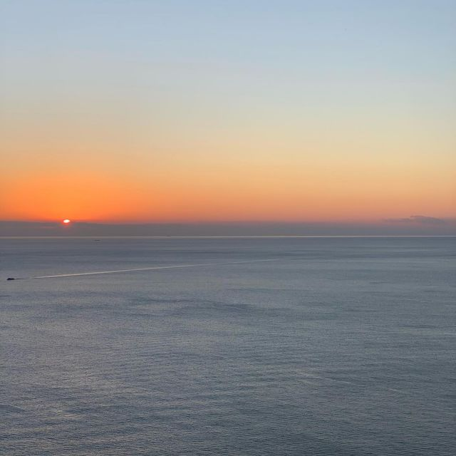 As the temperature gets colder, the sunsets get better.  #sunset #cinqueterre #nationalpark #liguria #italy  #autumn #autunno  #fall